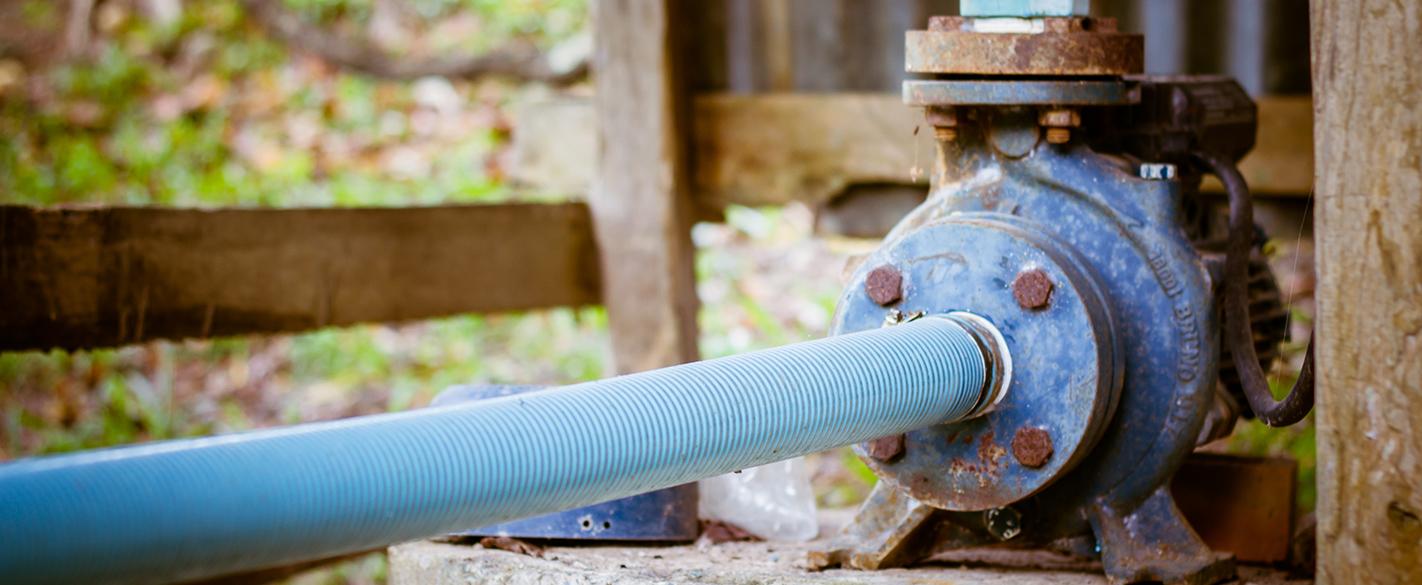 Как се монтира водна помпа към кладенец: центробежна, потопяема или ръчна помпа да изберем